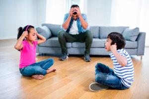 frenar las peleas entre hermanos