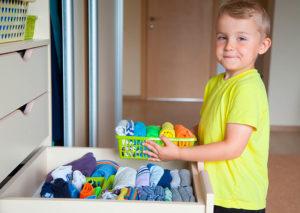 ayudar con las tareas domésticas